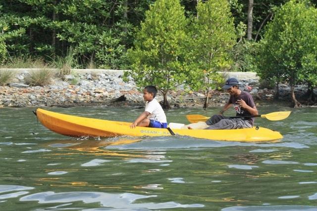 kayaking-cruise