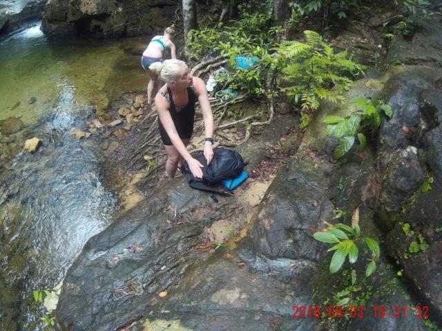 https://www.junglewalla.com/kayaking-swimming-adventure/